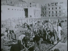 Naples-is-a-battlefield-16mm-1_h264.00_09_38_08.Immagine040