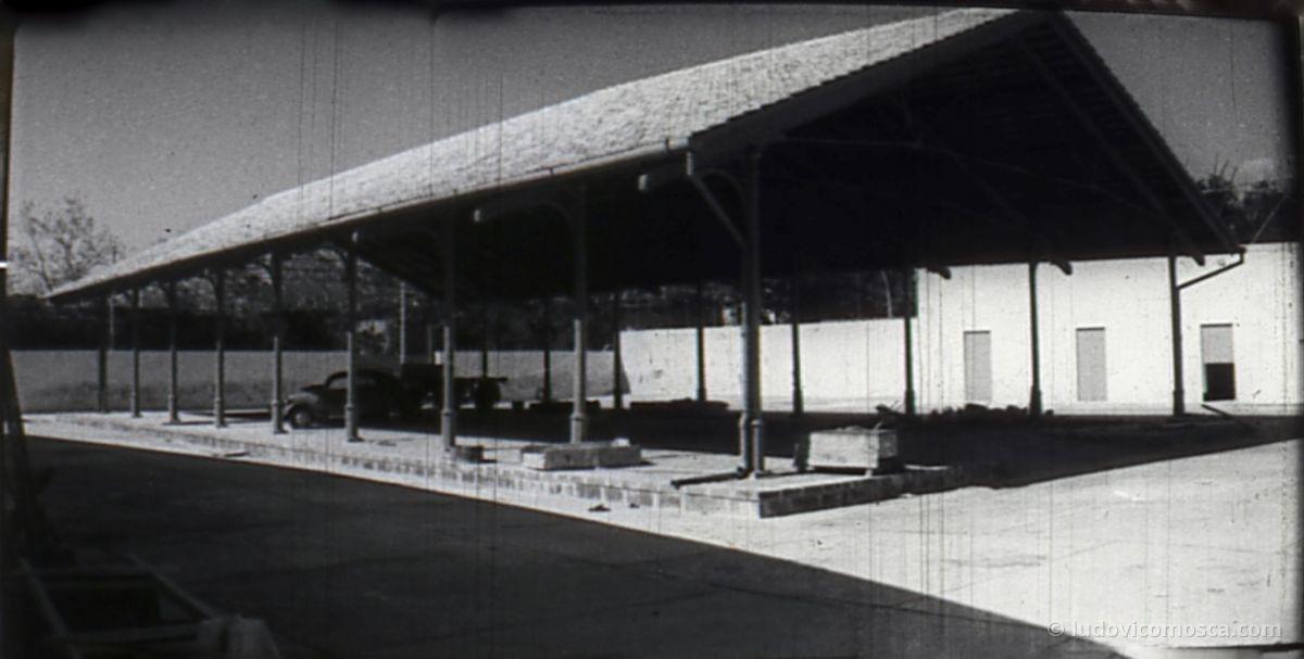 panorama interno mercato piano primi anni 50