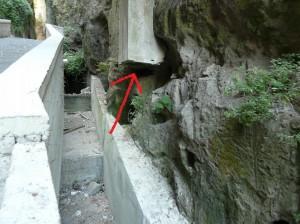 Il tubo di sfogo della condotta fognaria.