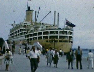 La m/n Orcades ormeggiata a Venezia, film 8mm anni cinquanta