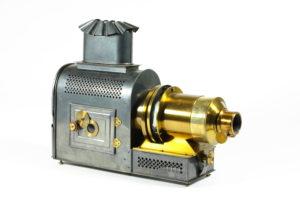 projector-maison-de-la-bonne-presse-magic-lantern-circa-1900