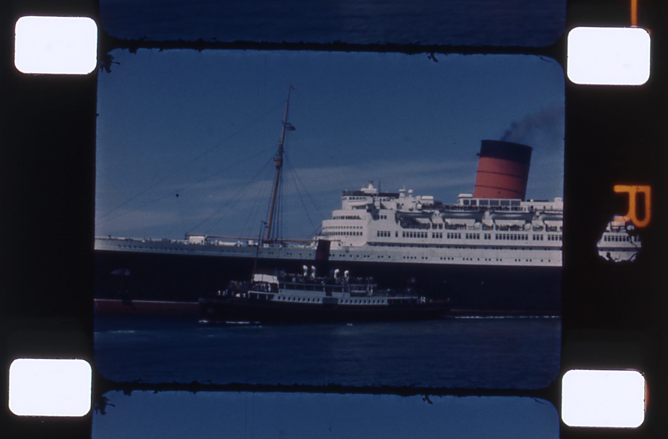 RMS Queen Elizabeth 1949 Cherbourg France